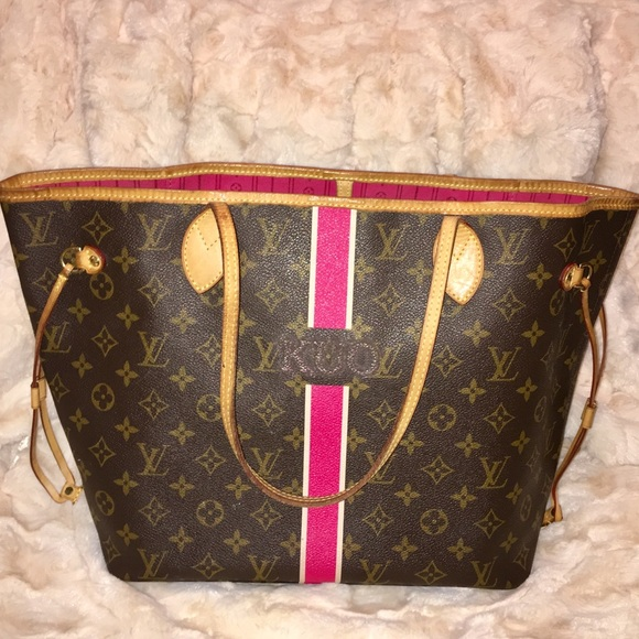 70259bc40945 Louis Vuitton Handbags - Louis Vuitton Neverfull MM Mon Monogram Pivoine